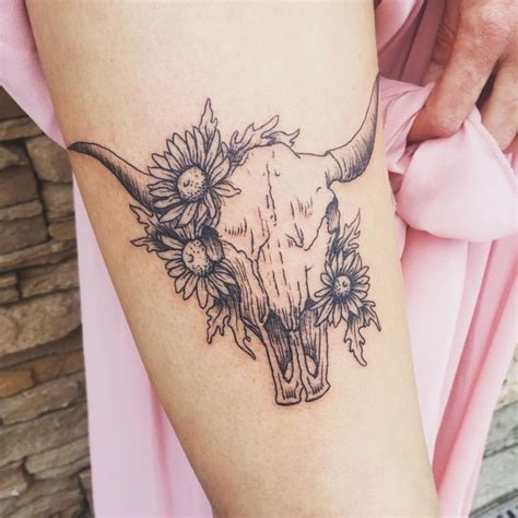 tribal longhorn tattoo best 25 longhorn ideas on half sleeves
