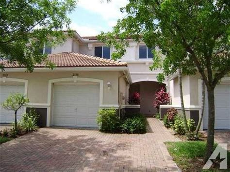 2 bedroom suites in west palm beach fl 3 bedrooms 2 5 bath townhome in thousand oaks for sale in