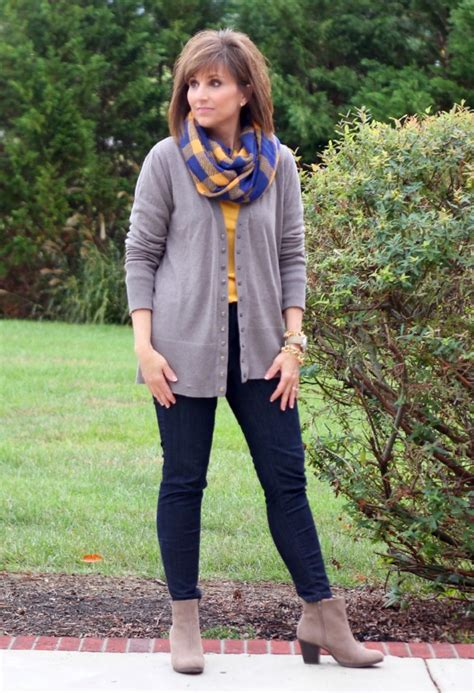 what clothes should a 46 year old woman wear 31 days of fall fashion day 13 grace beauty