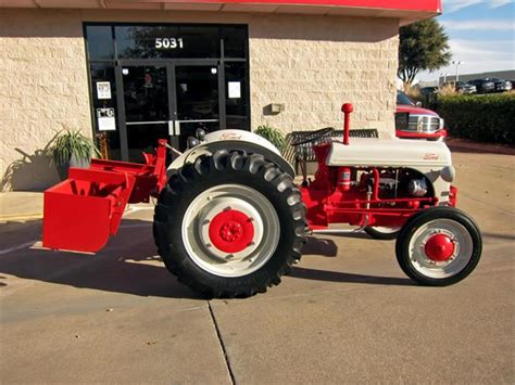 Ford tractor dealers texas