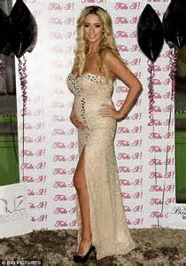 Online Drapes Chantelle Houghton Drapes Her Baby Bump In A Glamorous