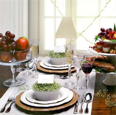 Natural Dining Table Decor For Christmas 2010 Iroonie Com Dining Table Decorations