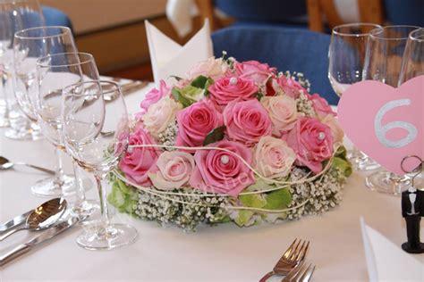 Tischgestecke Hochzeit by Pin Brautstrauss On