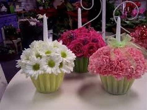 como hacer centros de mesa con flores