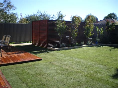 privacy screen backyard dg maintenance services decking