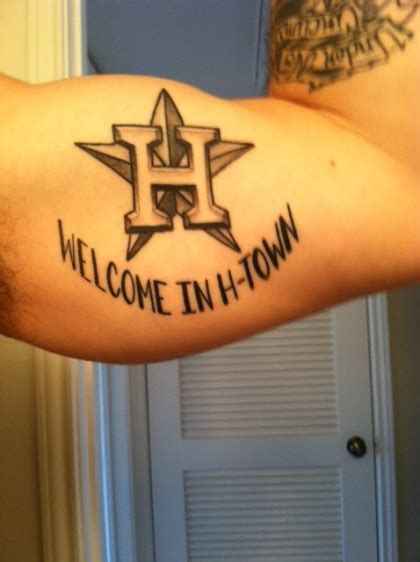 drake houston tattoo rapper follows footsteps of fred davis gets astros