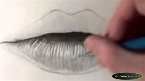 come si disegnano i fiori disegnare labbra a matita draw lip pencil 2