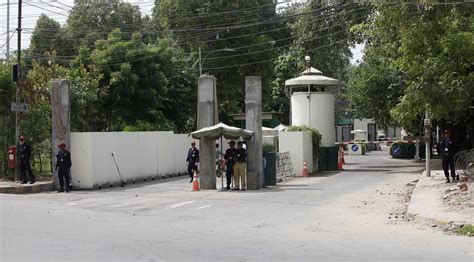 consolato pakistan pakistan evacuato consolato usa a lahore l italia non 195