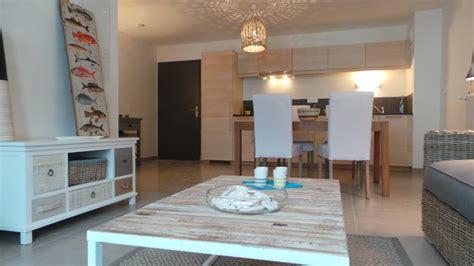 Eichler House by D 233 Coration Appartement Cancale Bord De Mer Salon