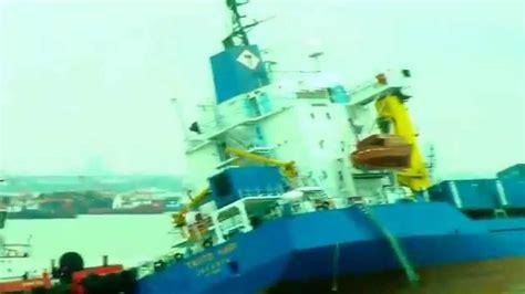 detik surabaya detik detik km tanto hari tenggelam di surabaya youtube