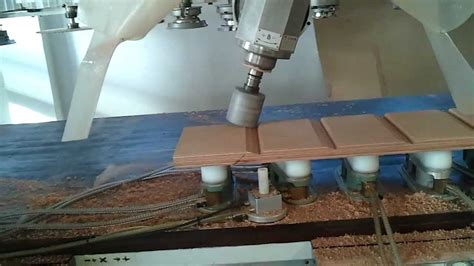 Costruire Uno Scuro In Legno by Scuri In Okoume A Scandole Mp4