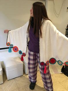 271740 Thalia Lace With Pashmina ruana de con apliques de crochet ponchos