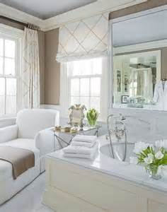 Bathroom Window Decorating Ideas by Best 25 Bathroom Window Treatments Ideas On Pinterest