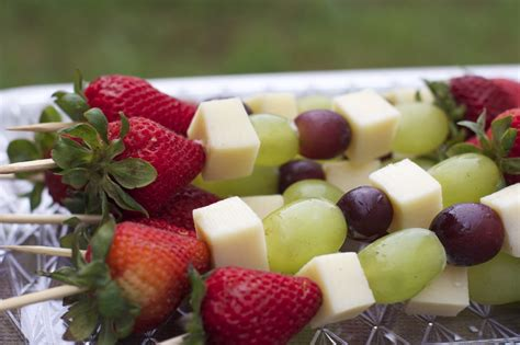 fruit appetizers fruit cheese kabobs easy cookout appetizer divas can cook