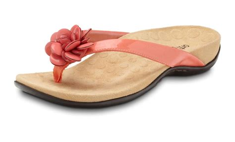 Sandal Salmon Tc 11 301 moved permanently