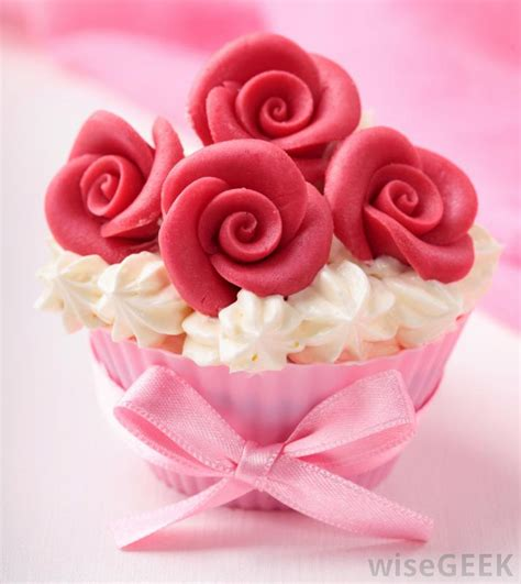 Decorative Cupcakes by What Do I Need In Order To Start Cake Decorating