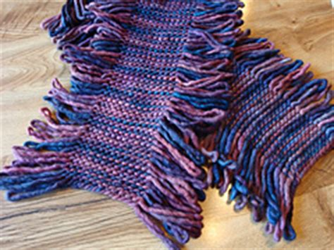 patons pattern library ravelry loopy scarf 115 pattern by patons