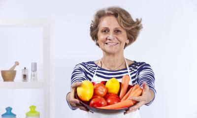 alimentazione anziani alimentazione per anziani la dieta corretta