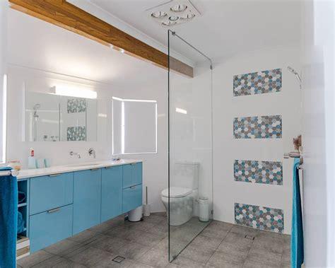 desain dinding kamar unik 32 model kamar mandi hotel mewah minimalis terbaru 2018