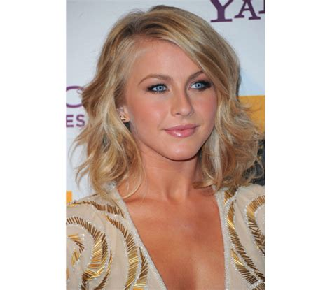 hollywood actress with blue eyes radiant complexion healthy clear skin tone hollywood glow