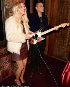 Jess And Ashlee Inseperable by Ashlee And Musician Boyfriend Evan Ross Take The