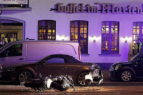 3 Motorradfahrer Verungl Ckt by Unfall Aachener Strasse Koeln 31122015 6