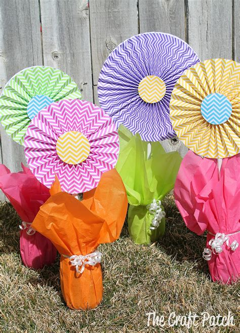 cheap and easy centerpieces the craft patch cheerful cheap and easy flower centerpieces