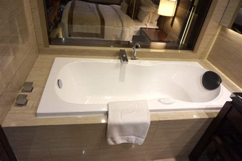 Sisir Kayak Pisau one at gran melia hotel jakarta mariska tracy