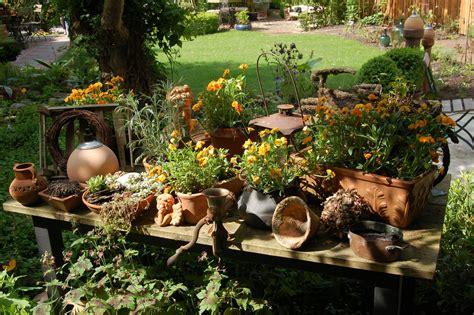 Garten Gestalten Und Dekorieren by Deko Tipps Skulptur Garten Wiershop