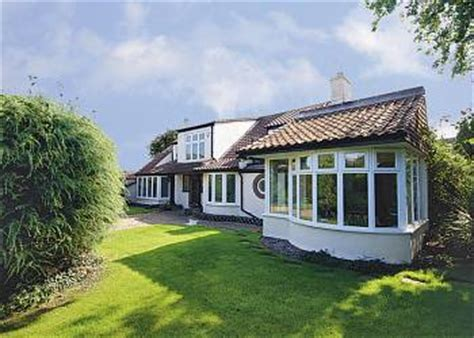 Cottages In Great Yarmouth by Caister Cottage Great Yarmouth Tourism 2017
