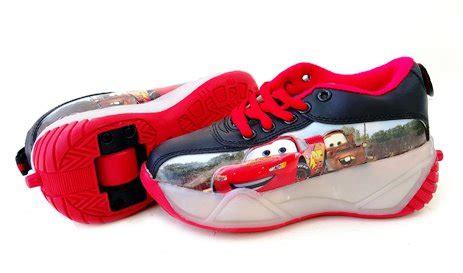 Sepatu Carssepatu Mcqueensepatu Cars Merah helm anak dan pelindung lutut toko bunda