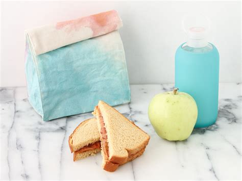 diy watercolor art lunch bag for back to school