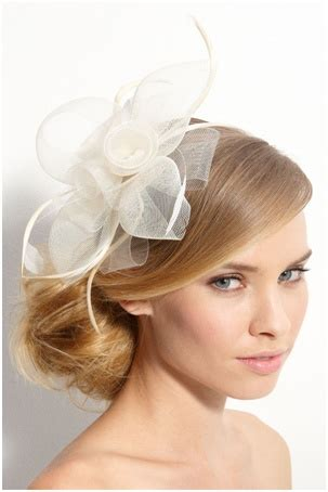 Wedding Hairstyles Updos With Fascinators by 25 Best Ideas About Fascinator Hairstyles On