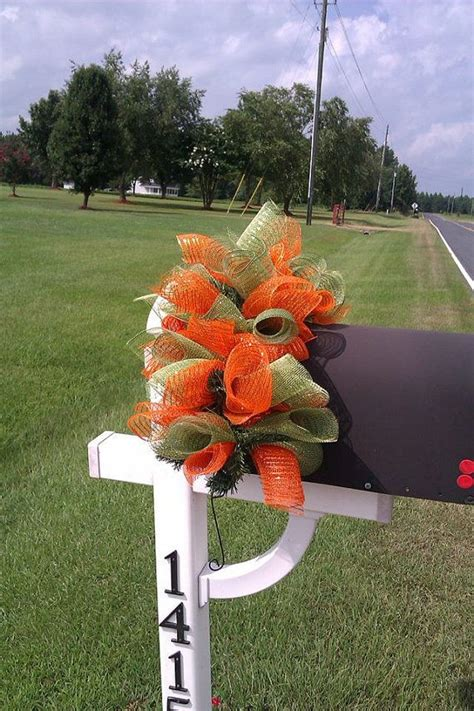 Fall Mailbox Decorations by 1000 Ideas About Mailbox Decorating On