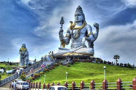 top places  visit  murudeshwar   plenty