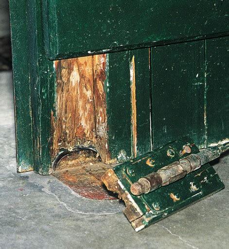 bas de porte garage r 233 parer un bas de porte de garage