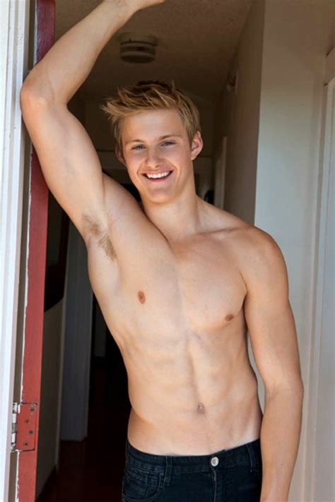 Canadian Actor Alexander Ludwig Click Photo For More Pics Male Celeb News