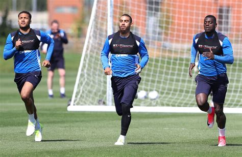 reading training around 8853010991 reading fc in training ahead of fulham play off clash photos by eddie greville get reading
