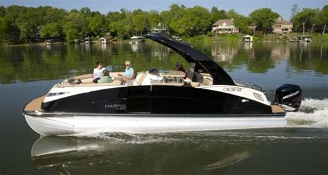 crown boats harris flotebote crowne 250 luxury redefined boats