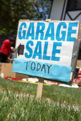 Garage Sale Buying Tips by Mybudget Trash To Treasure Planning A Garage Sale