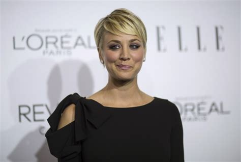 penny with short hair big bang theory actress kaley cuoco sweeting to sport