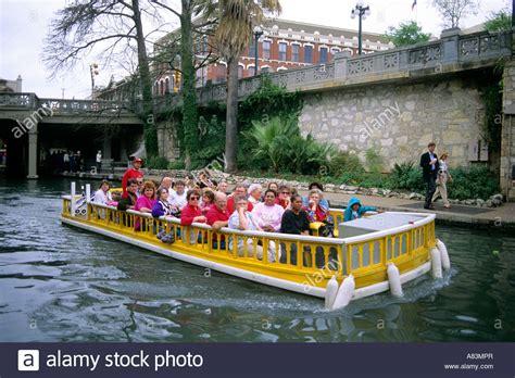 san antonio riverwalk boat riverwalk tour boat san antonio lifehacked1st