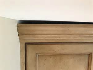how to fix gap between ceiling and kitchen crown molding