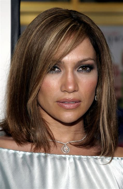 jlo hairstyle 2015 jennifer lopez short brown hair blonde highlights