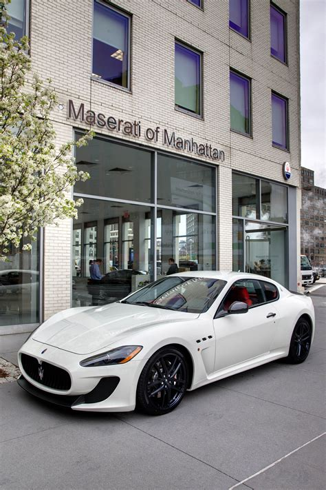 Manhattan Maserati by 2017 Lamborghini Aventador Superveloce Roadster Showed Its