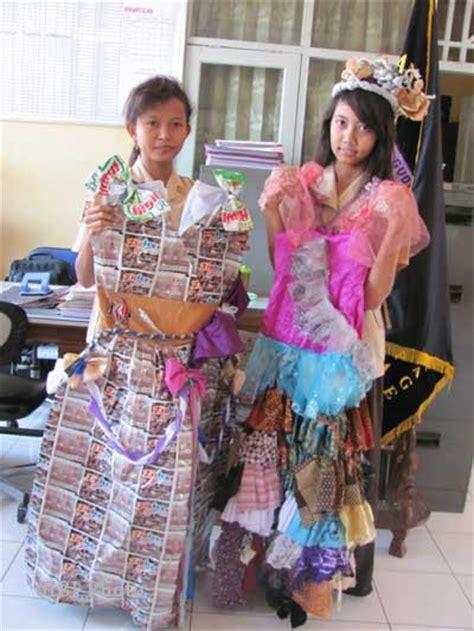 design gaun dari koran gaun dari koran holidays oo
