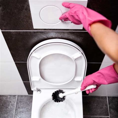 Disinfect Bathtub End Of Tenancy Cleaning Checklist How To Earn Security