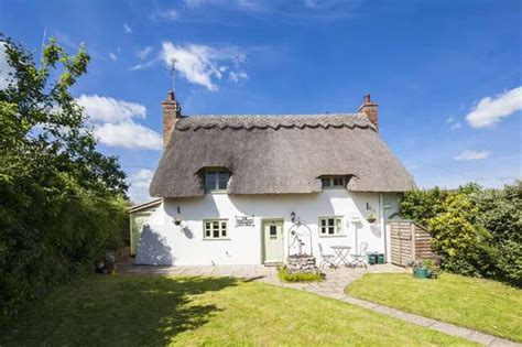 Cottages For Sale Uk by 2 Bedroom Cottage For Sale In The Thatched Cottage