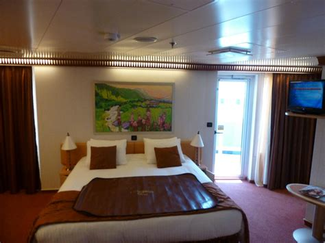 Carnival Freedom Cabins To Avoid by Carnival Cabin 10291 Shower And Toilet Bed
