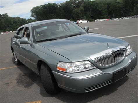 2005 lincoln town car lwb related infomation